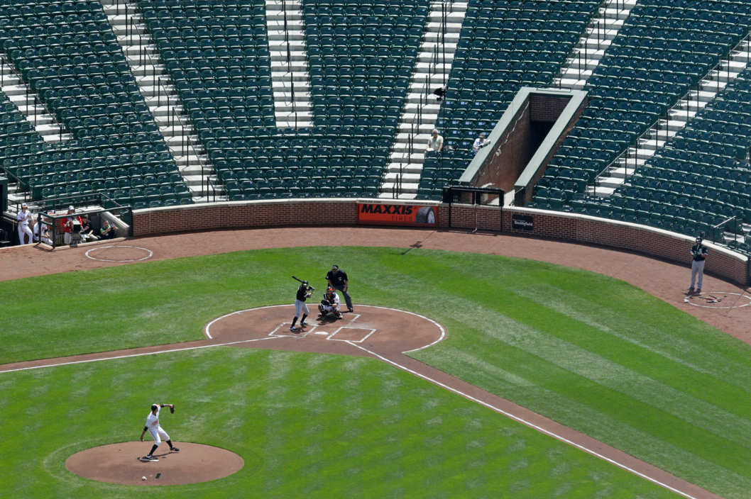 http://nymag.com/scienceofus/2015/04/how-playing-in-an-empty-stadium-affects-athletes.html